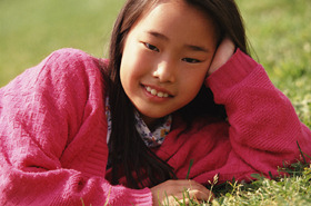 girl_in_grass_2